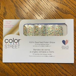 2/23 Color Street: Glitzburgh